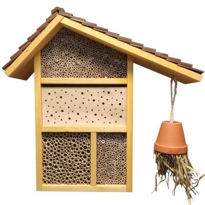 Wildbienenhotel zum kleinen Fuchs
