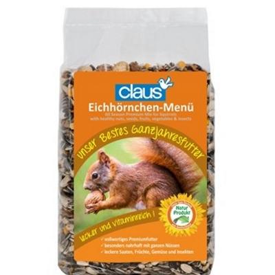 Eichhörnchenfütterer mit Futter