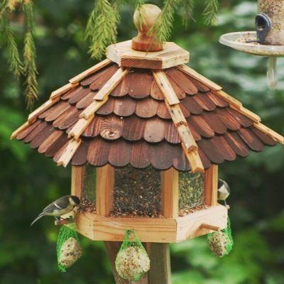 Sechseck Vogelhaus mit Holzschindeln