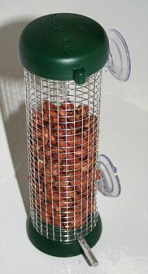 Fensterfütterer für Erdnüsse